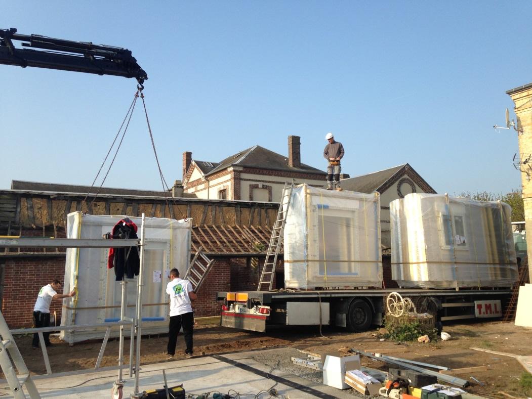 arrivée de la maison ossature bois sur le chantier D&CO - Natilia